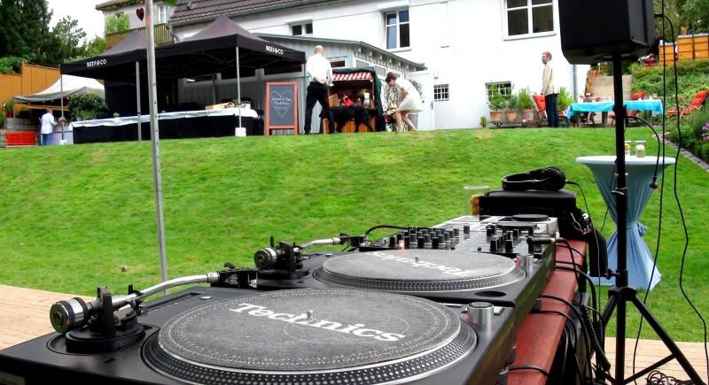 Hochzeits-DJ, Gartenparty, Gartenhochzeit, Hochzeitzuhause Bonn